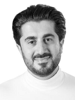 Arman Momeni portrait image